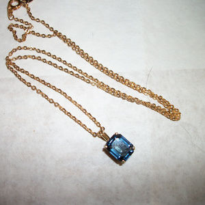 Jewelry - Vintage necklace Blue stone  w 14Kt GE gold chain